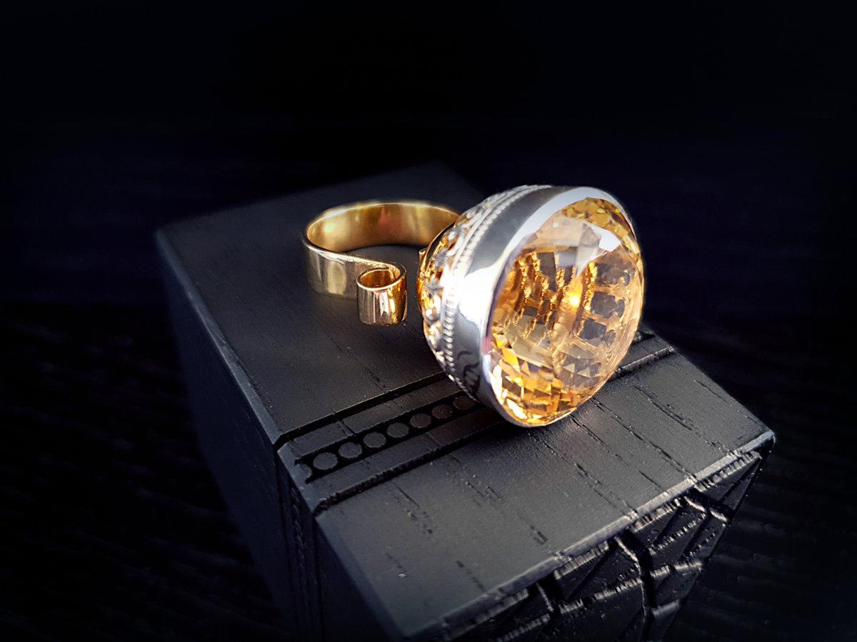 Apzeltīts (ar 999 proves zeltu) sudraba kokteiļgredzens gredzens ar citrīnu