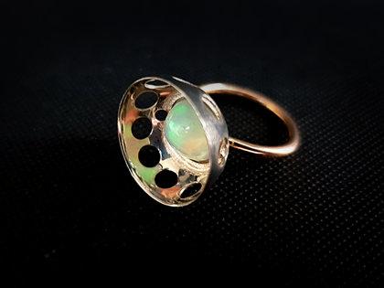 Zelta (585) un oksidēta sudraba gredzens ar opālu, Ø16,5