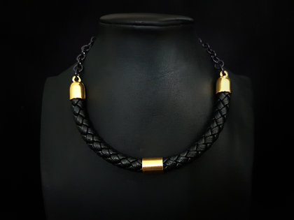 Ādas kaklarora (melns ar zeltu)