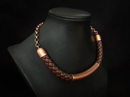 Ādas kaklarota (brūns ar bronzu)