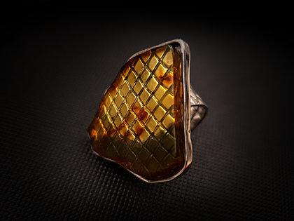 Sudraba gredzens ar dzidri caurspīdīgu dzeltenu dzintaru, Ø16,5