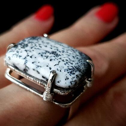 Серебряное кольцо с дендритным агатом