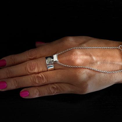 Sudraba gredzens (rokasspradze) ar opālu