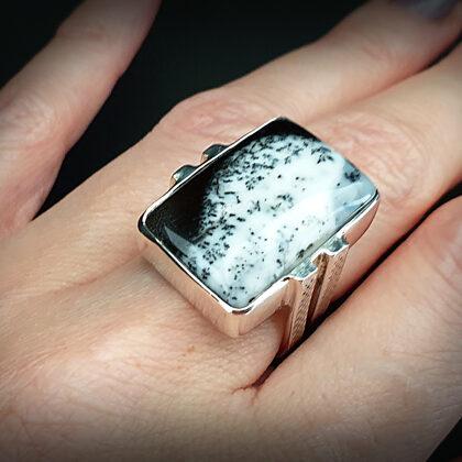 Sudraba gredzens ar dendrītu ahātu