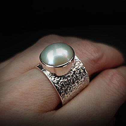 Sudraba gredzens ar saldūdens pērl